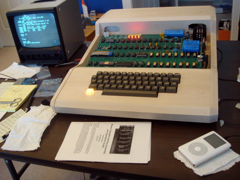 IMAGE(http://www.applefritter.com/files/MimeoCaseNew1.jpg)