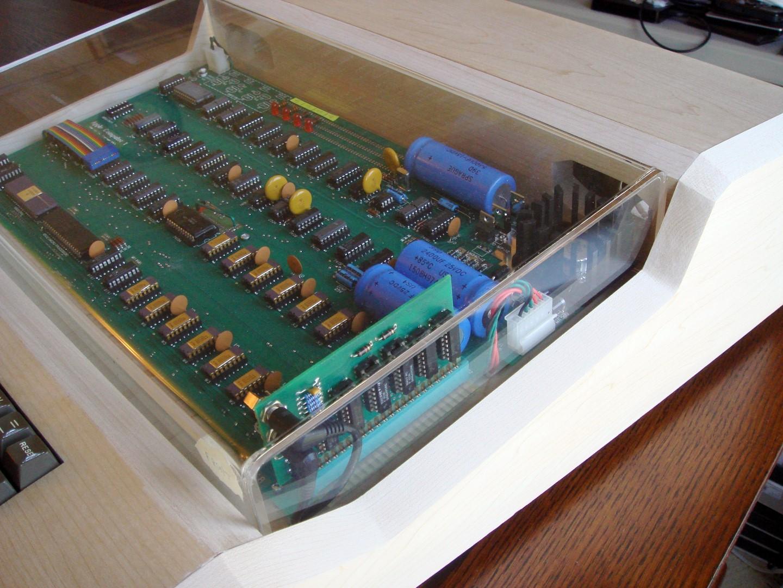 IMAGE(http://www.applefritter.com/files/MimeoCaseNew8.jpg)