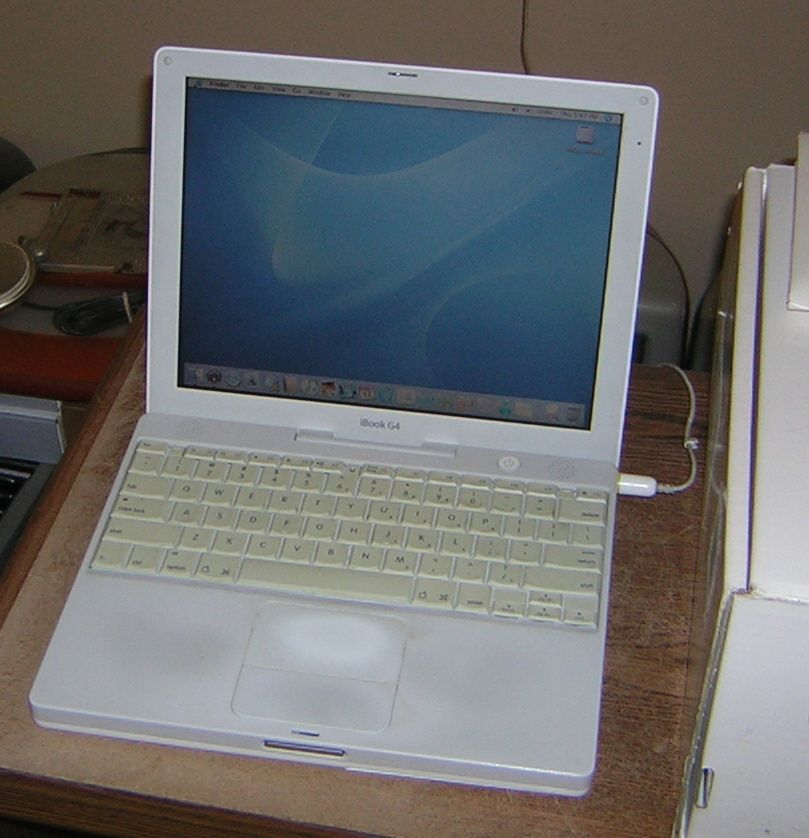 apple ibook g4 12 inch 800mhz w original box applefritter. Black Bedroom Furniture Sets. Home Design Ideas