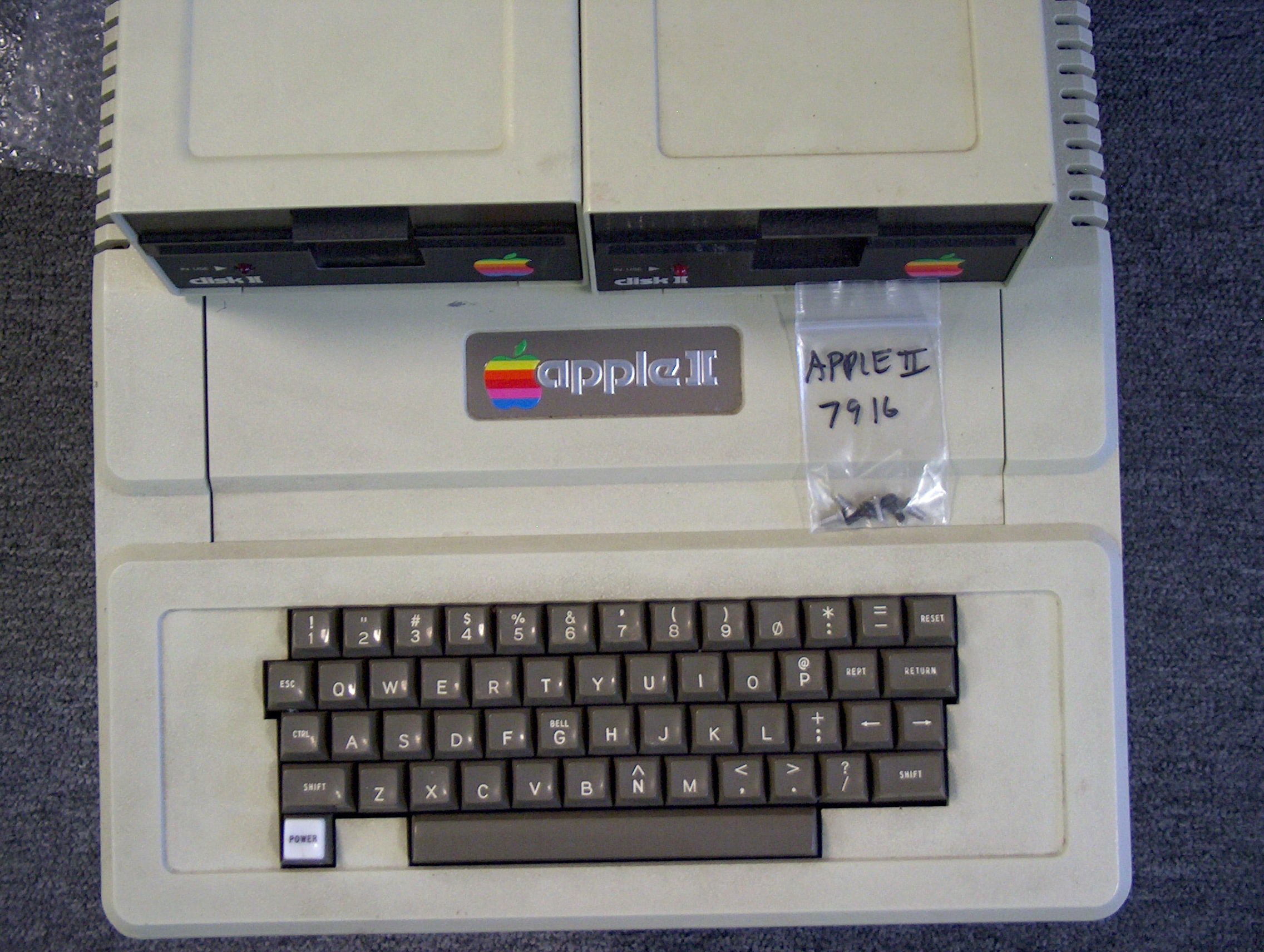 Apple ][ and Apple ][+ Seial Number Stickers