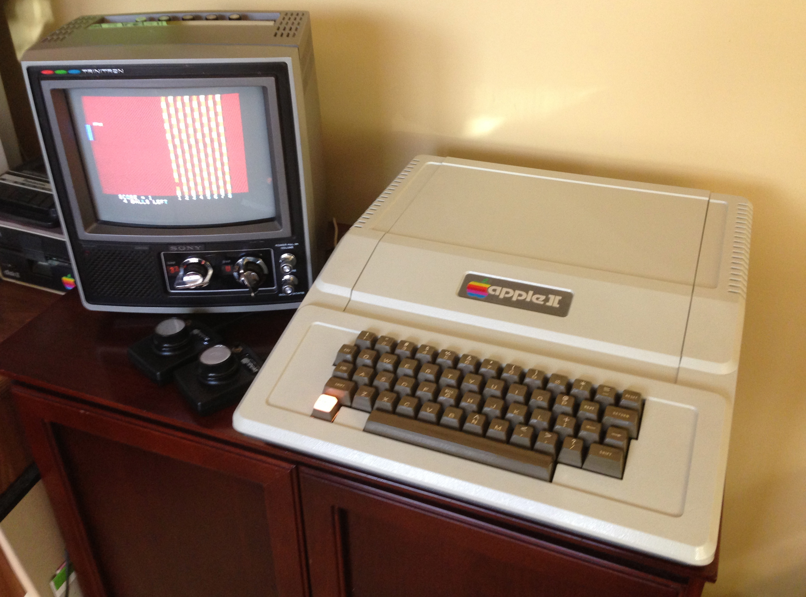 Integer Basic Breakout ala 1977 on Rev 0 Apple II