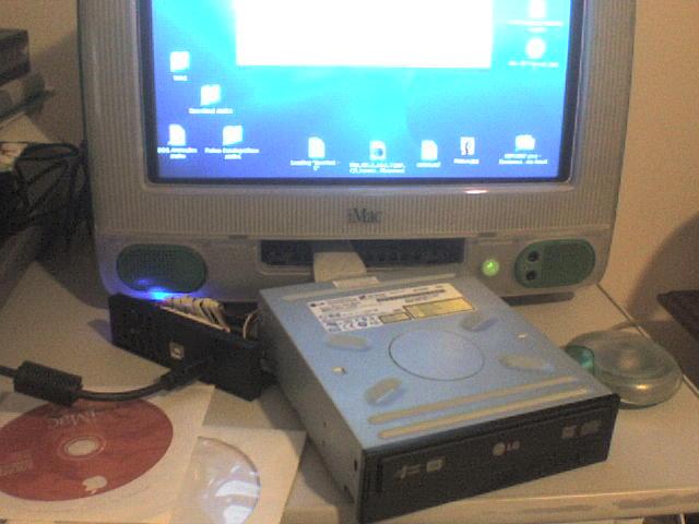 iMac 333 with external ATA DVD Drive