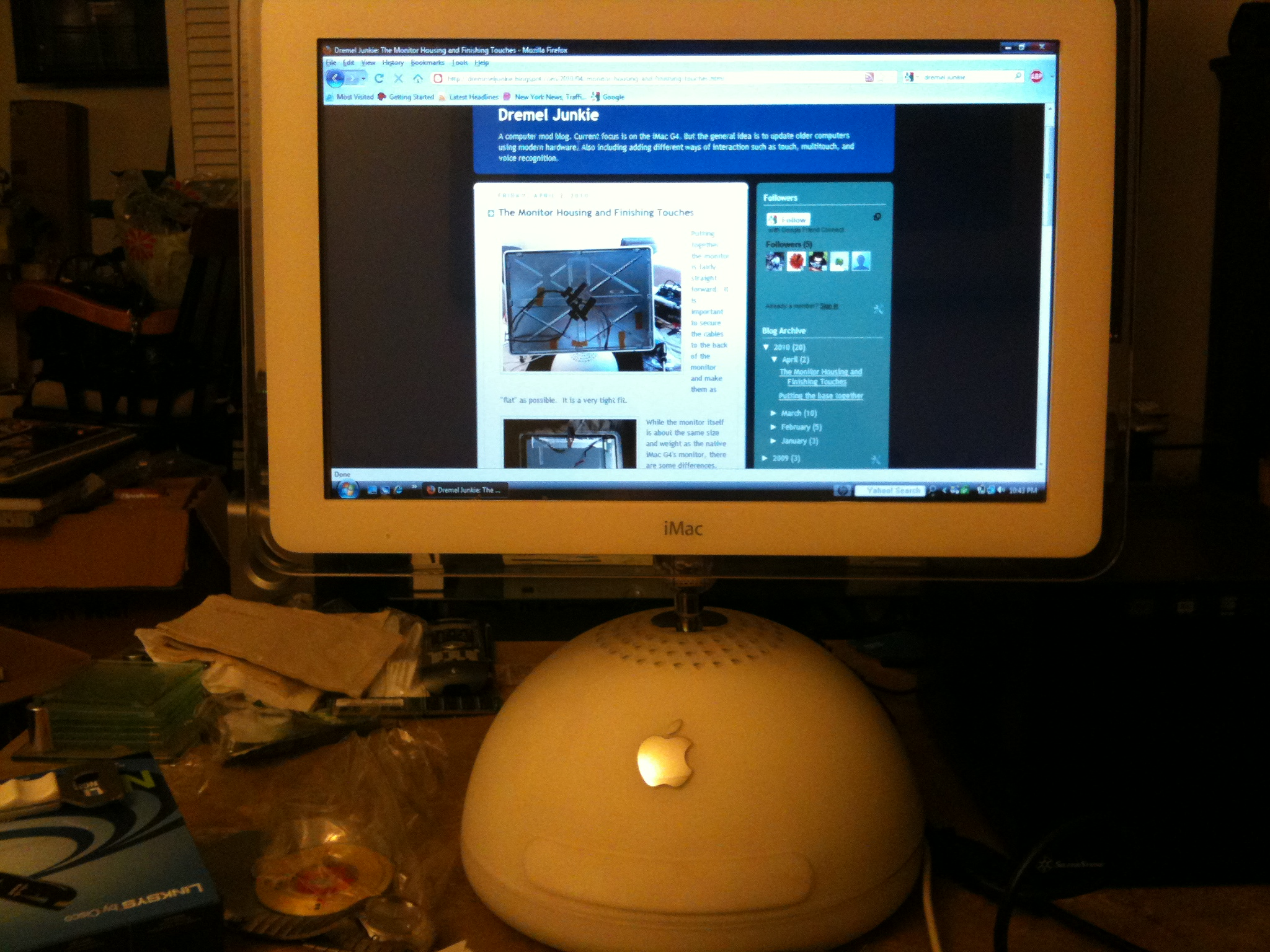 "17"" iMac G4 repurposed as an external monitor with resistive touchscreen"