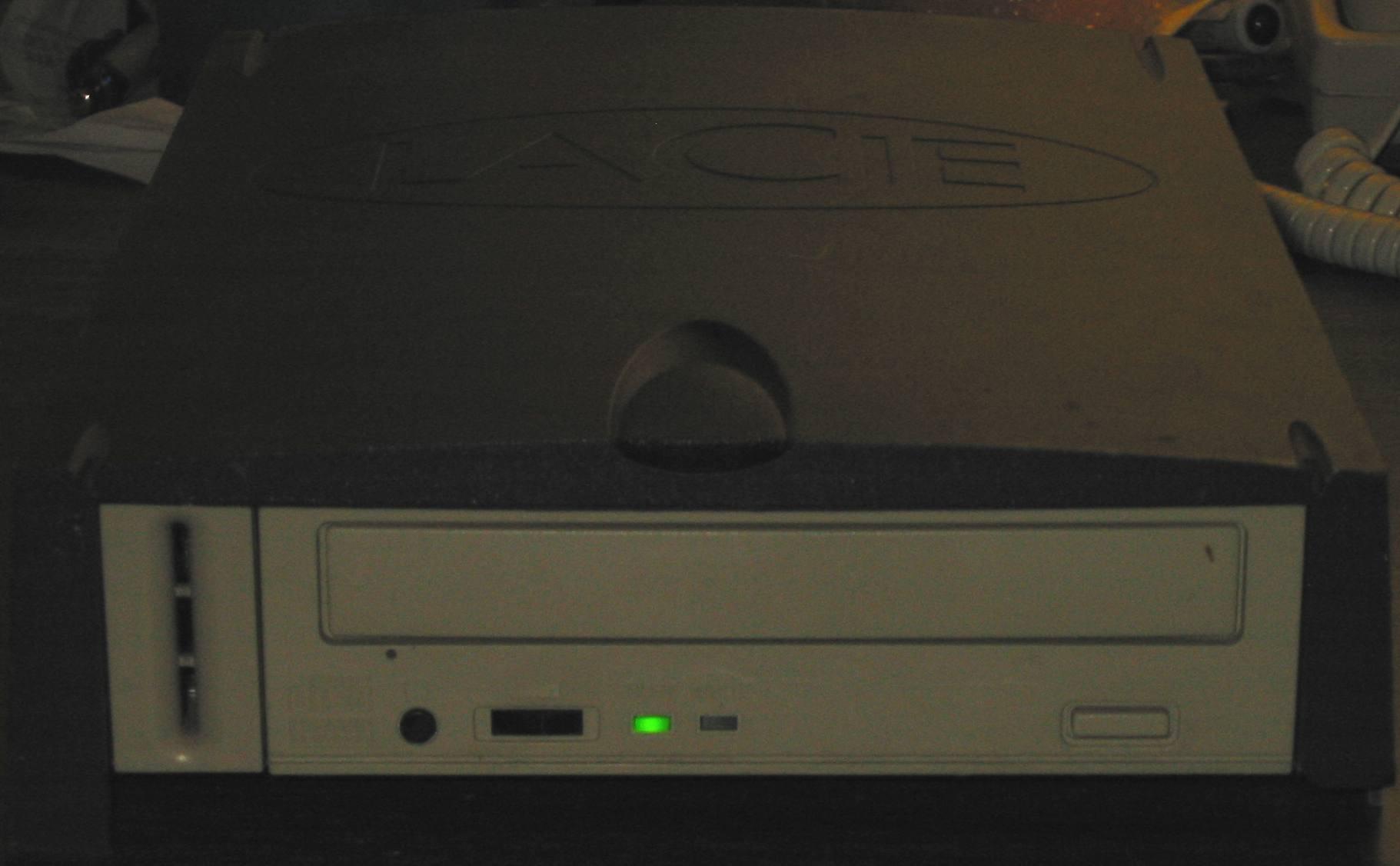LaCie 12x4x32 SCSI CDRW - front