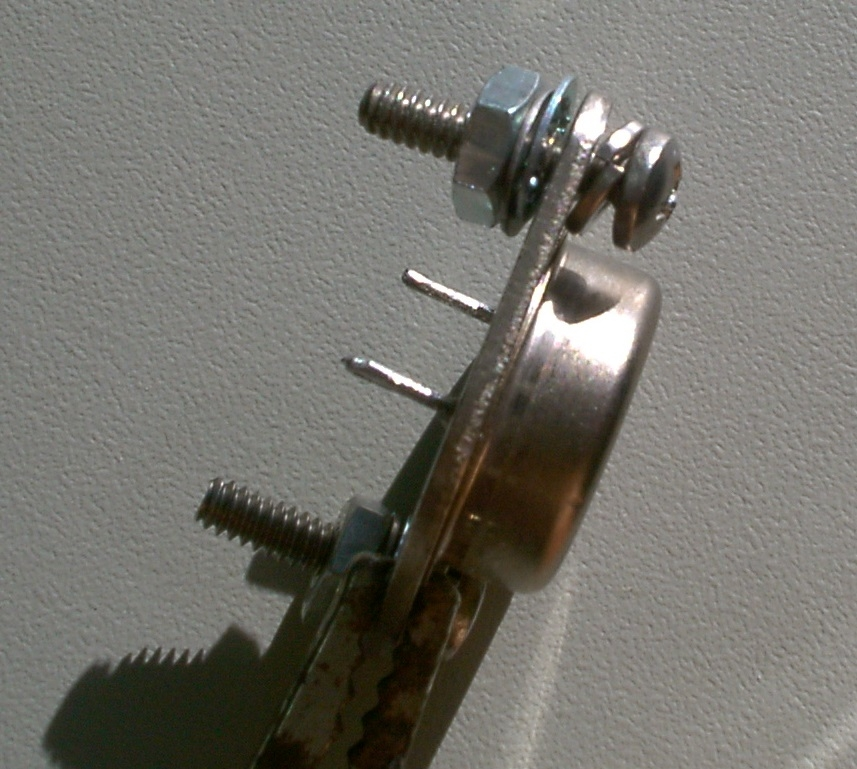 Mounting hardware on LM323 to show where they go